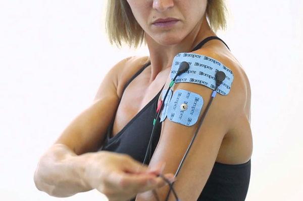 11-elektrostymulatory-ramię-ręka-ból-bracing