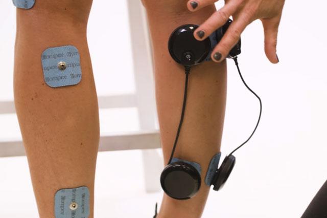 2-elektrostymulatory-łydka-ból-bracing