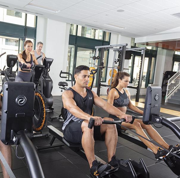 trening HIIT 14 minutowy trening Octane Fitness na maszynie wioslarskiej OctaneRO